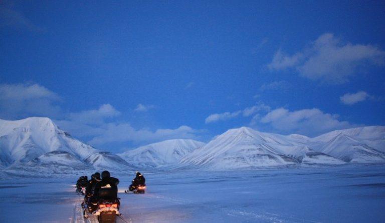 Riding through Twilight © Hanne Knudsen/Innovasjon Norge