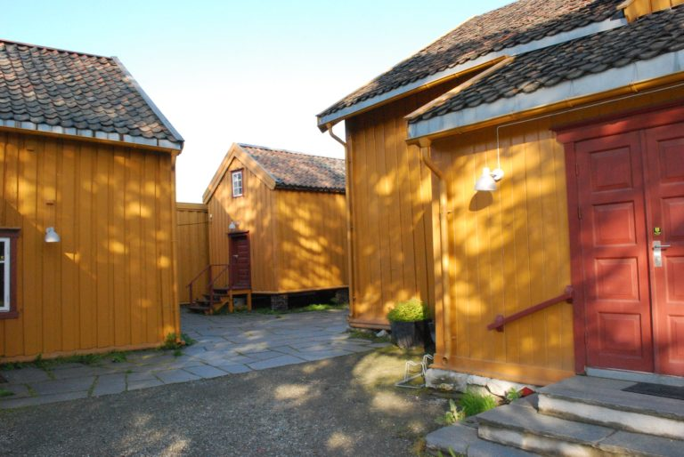 The oldest houses in Tromsø, from the late 18th c. at Skansen © Knut Hansvold