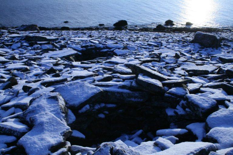 Grave locations close to the shoreline where most communities settled © Varanger Samiske Museum