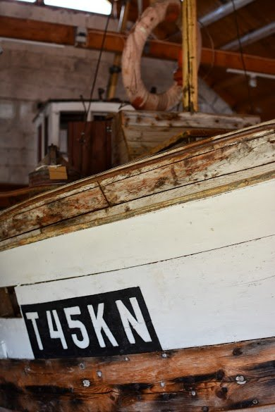 Close up shot of an old fishing vessel © Knut Hansvold