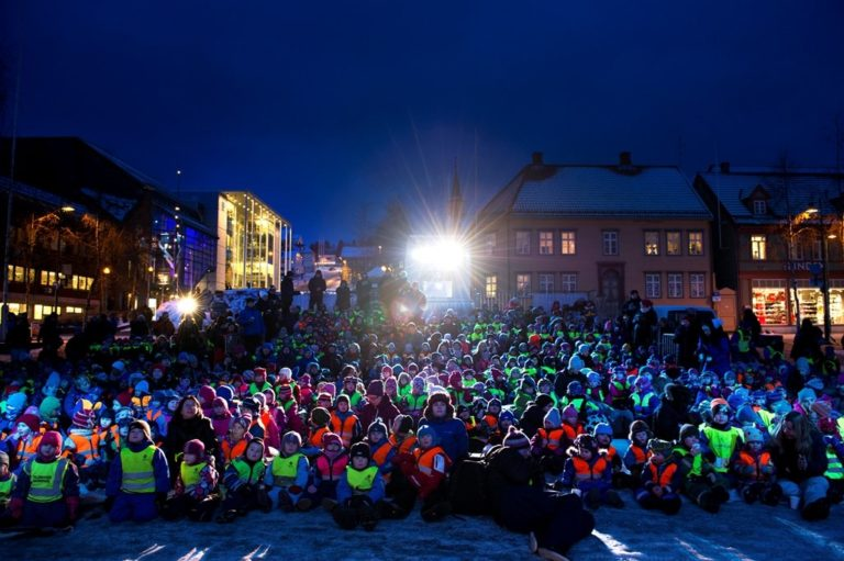 Outdoor on the main square, schools and nurseries will come to watch short films in the early afternoon © Ingun A. Mæhlum/TIFF