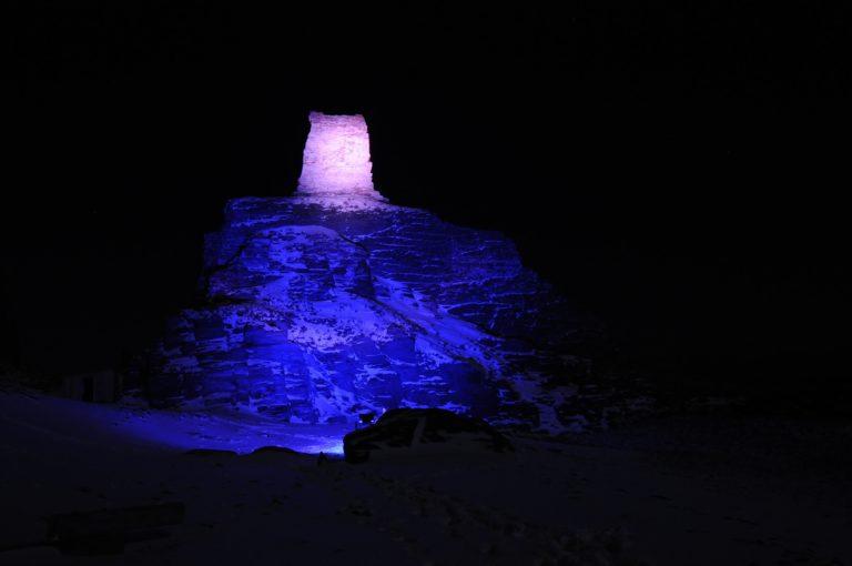 Blue lights in the darkness © Leif Yngve Wallenius/Arctic Coast)