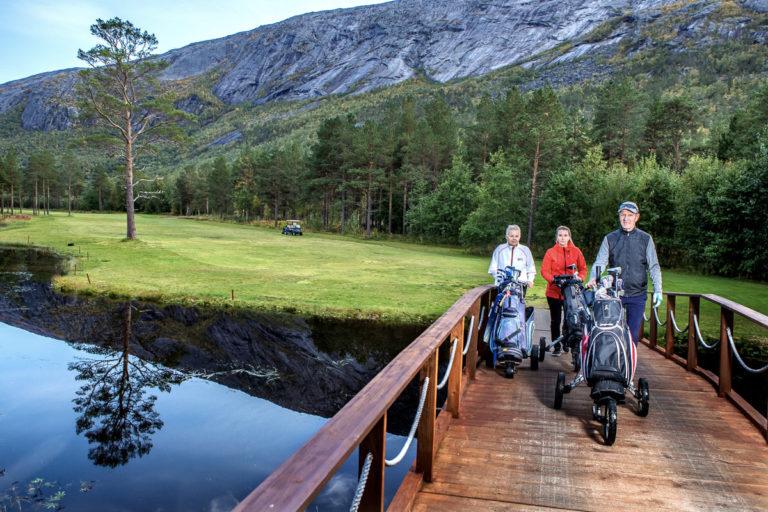 Ta en god ytterjakke på, så kan du spille golf © Michael Ulriksen