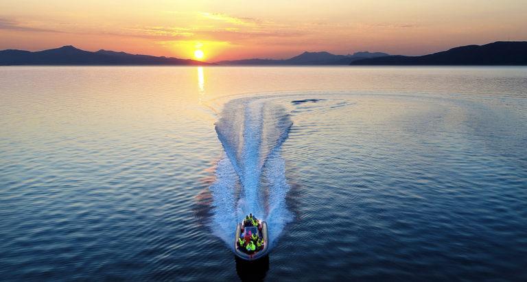 I RiB på nattfjorden © Michael Ulriksen