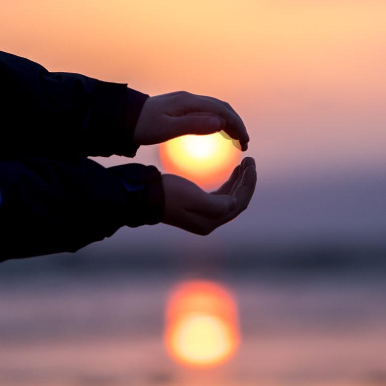 Embracing the Midnight Sun © Michael Ulriksen