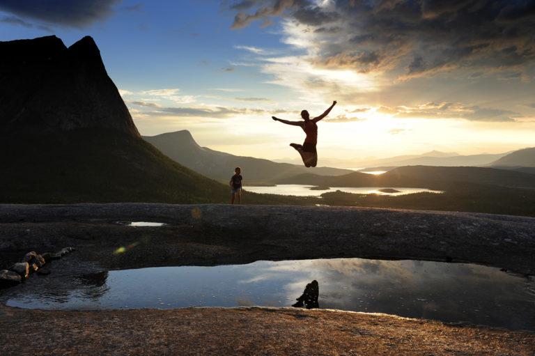 Verdenssvaet, a giant granit slab, in Efjord © Rune Dahl