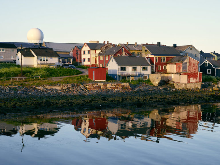 Colourful, historic Vardø © Emile Holba/Visit Varanger