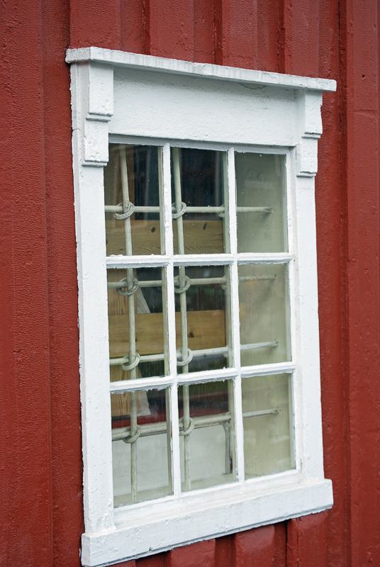 Old window at the Polar Museum © Knut Hansvold
