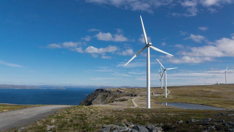 Havøygavlen og vindmøllene, med vidstrakt utsikt © Jarle Wæhler/Statens Vegvesen