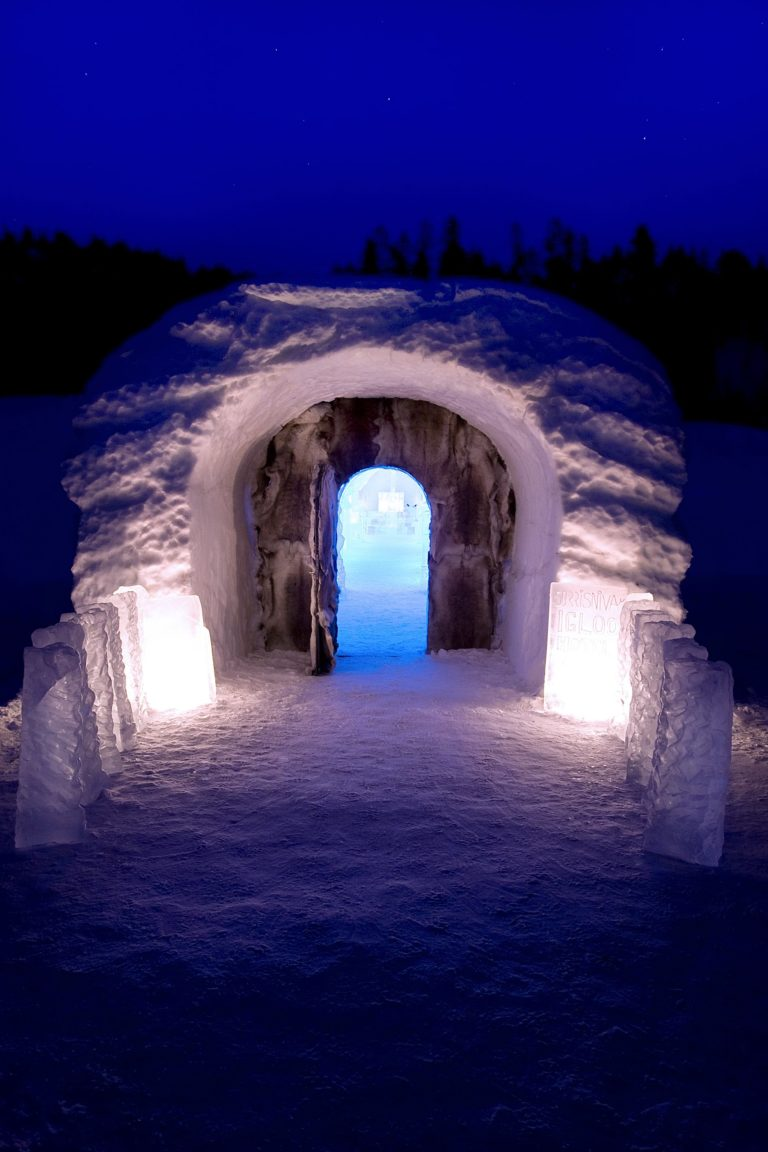 The entrance to the igloo hotel shrouded by reindeer skins © Sorrisniva