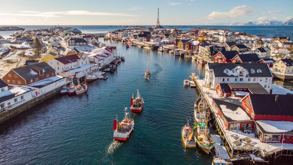 Henningsvær i høysesongen for lofotfiske