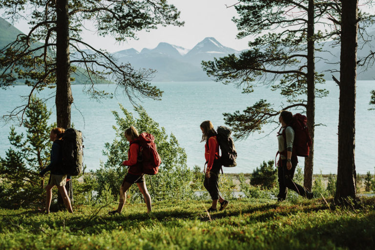 Hiking around the Lyngens © Frida Xiang