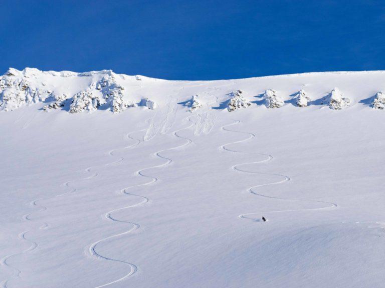 Det er sjelden vanskelig å finne sine egne spor på Svalbard © Kristin Folsland Olsen