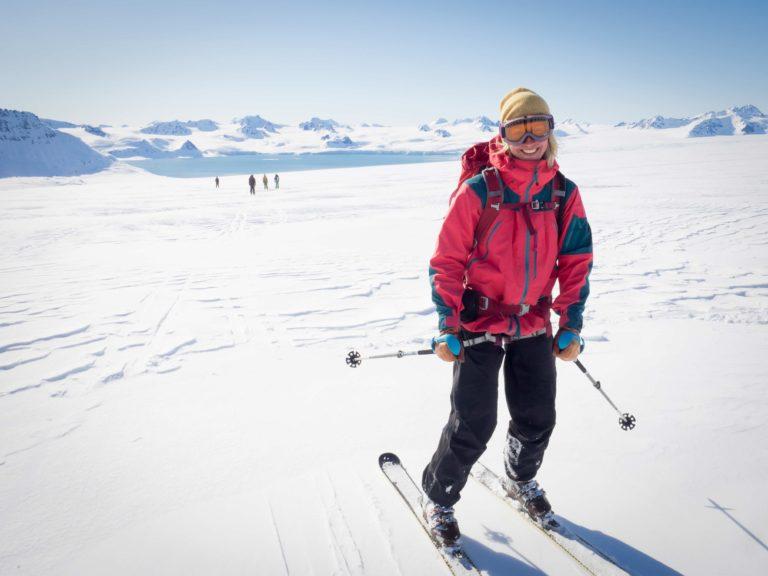 Lykkelig nede igjen fra topptur på Svalbard © Kristin Folsland Olsen