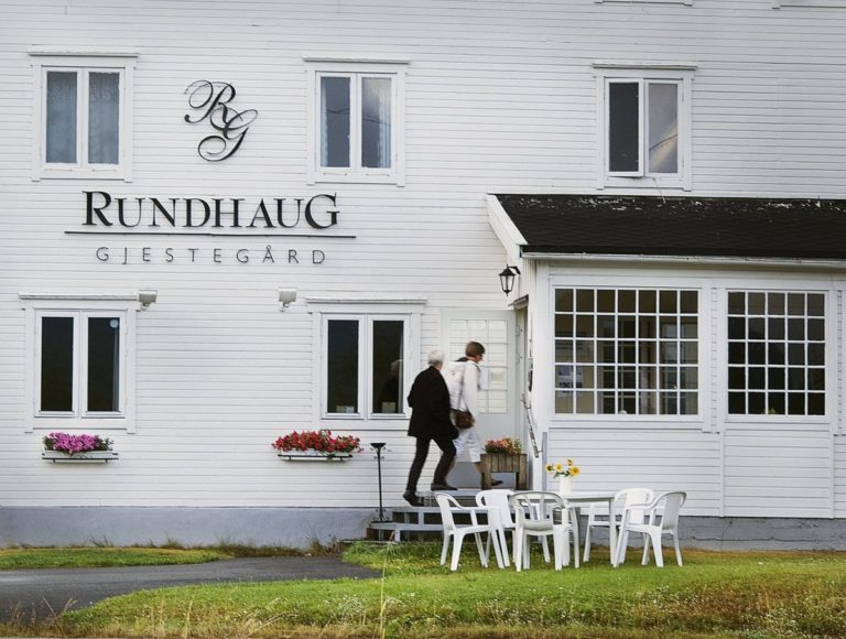 The building is classic architecture for the region, different to that you'd find further north in Troms and Finnmark © Rundhaug Gjestegård