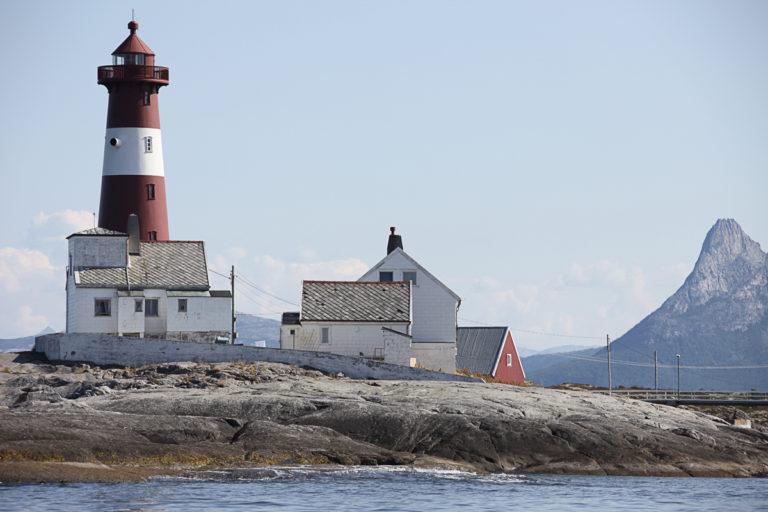 Tranøy fyr ligger ytterst på Hamarøya © Roger Johansen