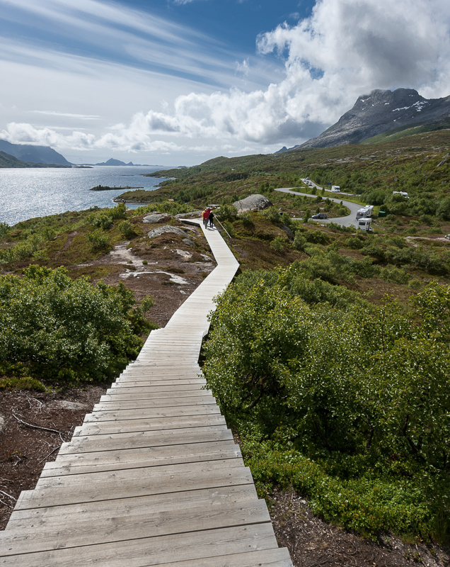 From the parking to the viewpoint at Austnesfjorden, Lofoten © Jarle Wæhler/Statens vegvesen