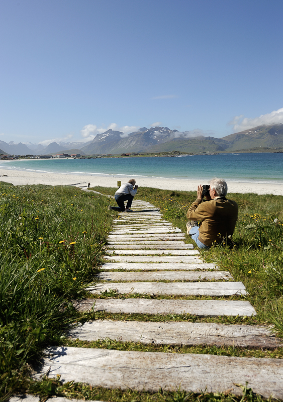 Easy access to the shore without trampling down the vegetation © Jarle Wæhler/Statens vegvesen
