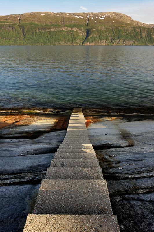 The Hellåga steps take you past slippery steps to the water © Jarle Wæhler