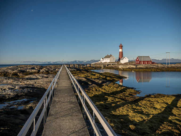 Bridge to the lighthouse © Flightseeing.de