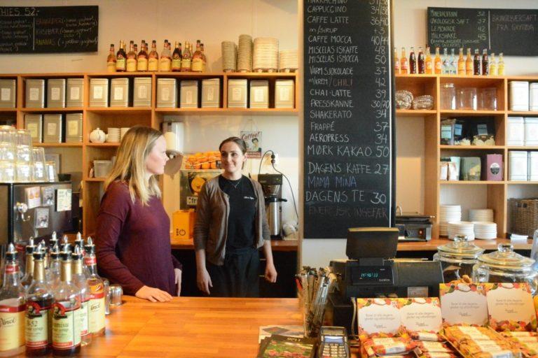 The coffee girls © Knut Hansvold