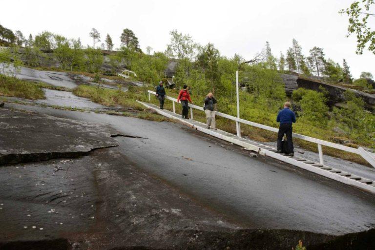 Den spesielle geologien med glatte svaberg gjør inntrykk © Knut Hansvold