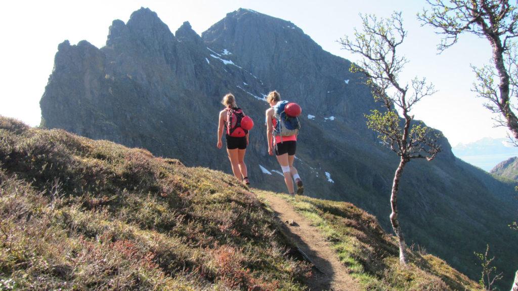guidet klatring på hamarøyskaftet i nordnorge