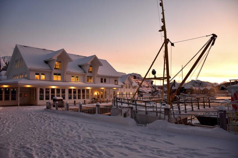 Hamn i flott vinterlys © Gaute Bruvik