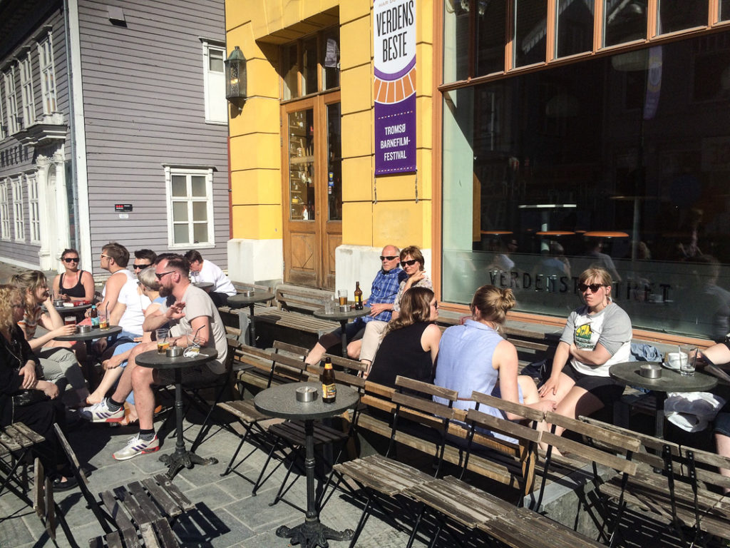 Verdensteateret i Tromsø en sommerdag