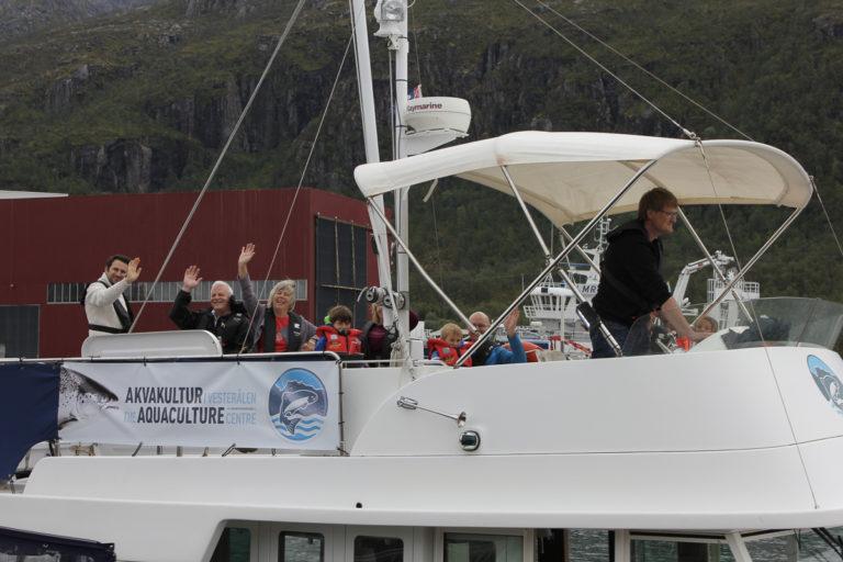 Fun for all the family on a small boat tour © Kine Anette Johnsen/Akvakultur i Vesterålen