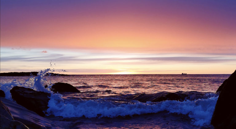 Sen augustsolnedgang ved Barentshavet © Live Helbæk