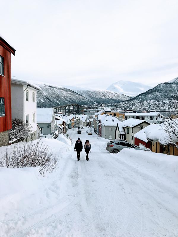 Byen ligger i en bakken, så da blir det utsikt © Knut Hansvold