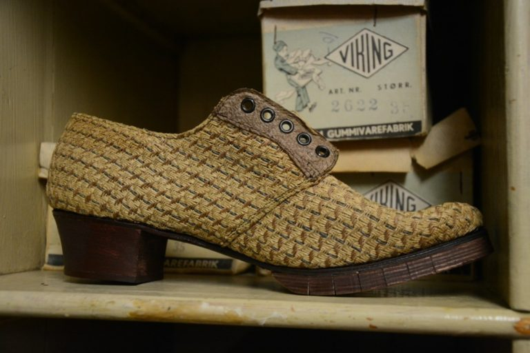 Wartime shoe fashion © Knut Hansvold