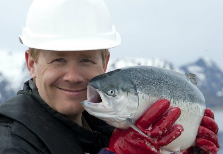 Fishy friend © Marten Bril/Akvakultur i Vesterålen