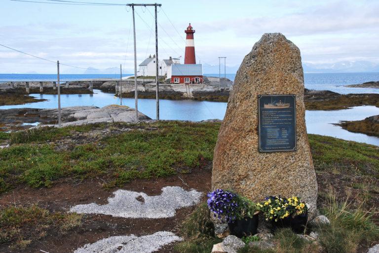 Minnesmerke etter en forlist fiskebåt © Knut Hansvold
