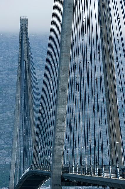 Helgelandsbrua er en skulptur i landskapet © Jarle Wæhler