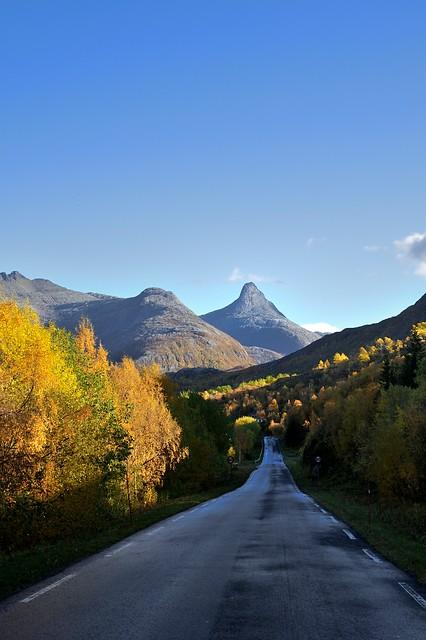 Høsten på Nasjonal turistveg på Helgeland © Steinar Skaar