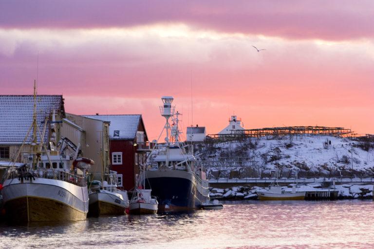 Vinteren i Henningsvær er vakker © Espen Mortensen