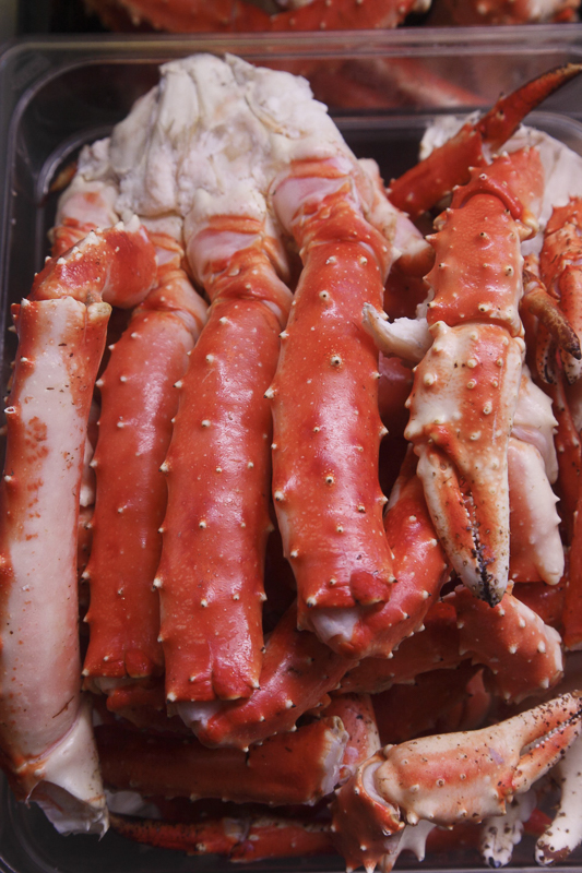 King crab turns red when cooked. © Shigeru Ohki