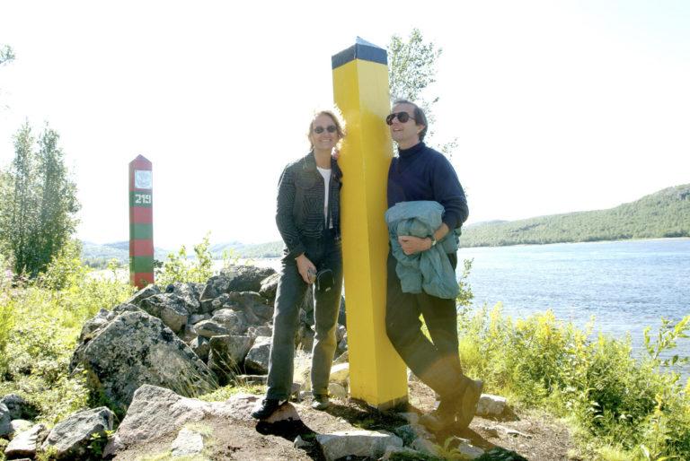 Stay on the Norwegian side! Two border markings near Boris Gleb © Trym Ivar Bergsmo