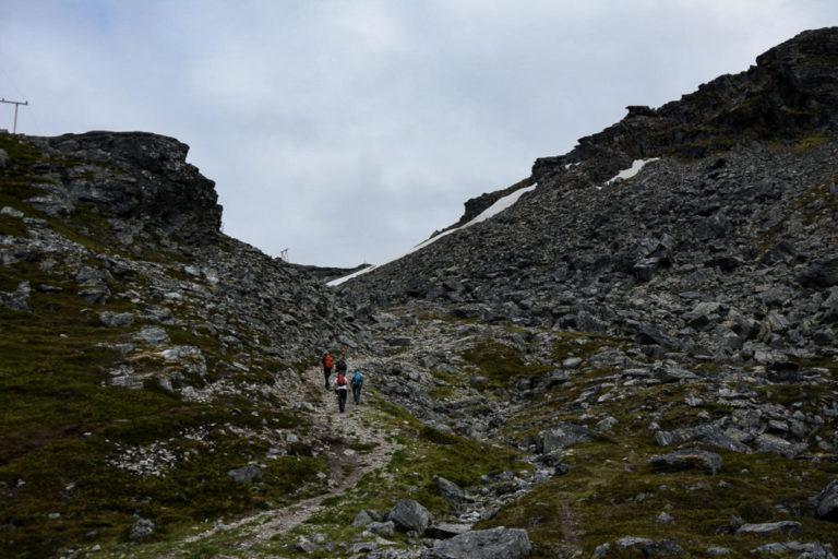 Bratt terreng, brattere enn dette blir det ikke i Hammerfest © Knut Hansvold