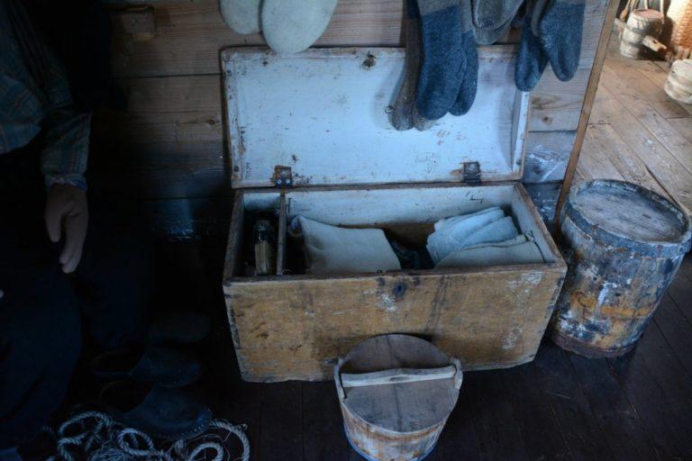 En ordentlig lofotkiste med leddik (kasse for verdisaker) © Knut Hansvold