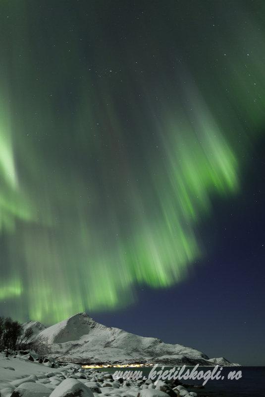 Nordlys på yttersida av Tromsø © Kjetil Skogli