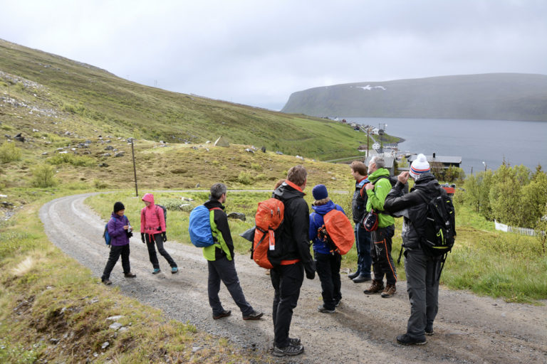 I Akkarfjord på vei mot Kjøttvikvarden © Knut Hansvold