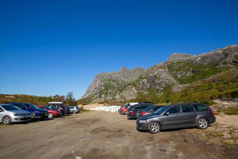 Parker bilen din her når du skal til Dønnamannen © Mats Hoel Johannessen