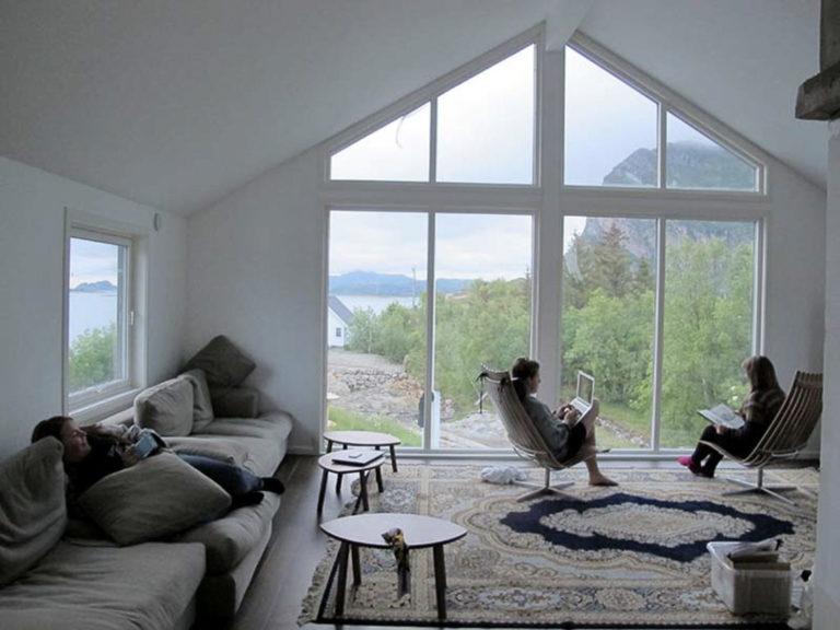 Stylish and modern relaxation lounge © Manshausen
