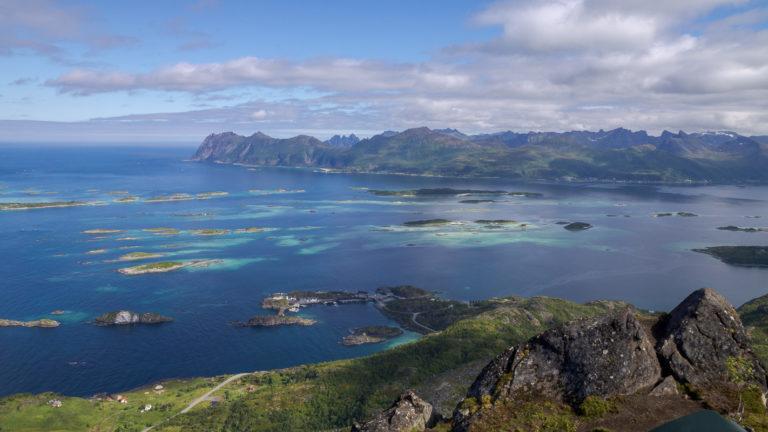 Utsikt over de 98 øyene i Bergsfjorden © Trine Kanter Zerwekh/Statens vegvesen