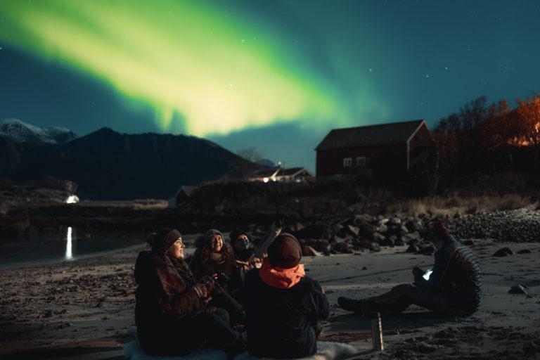 Nordlysovalen går rett over Harstad © André Askeland