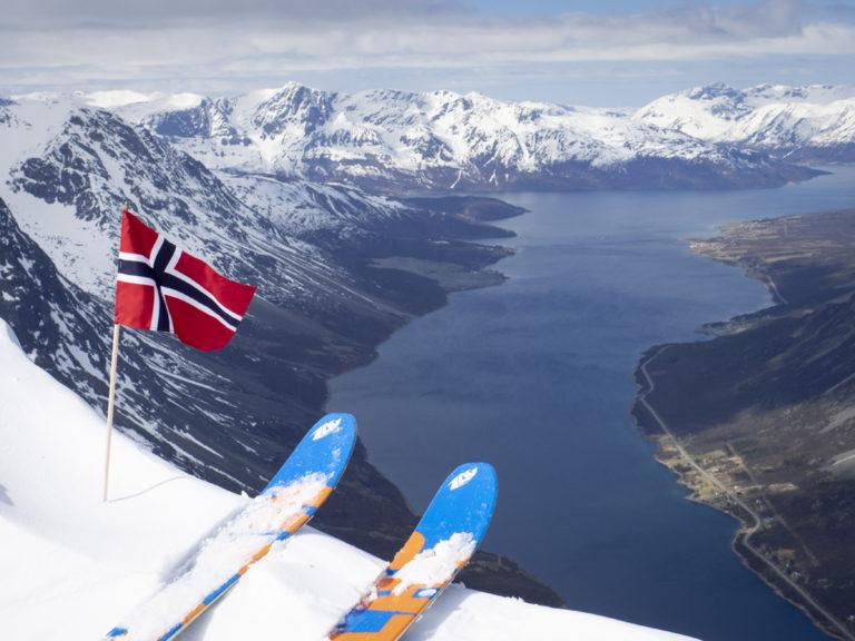 Utsikt mot Lyngenfjorden © Kristin F Olsen