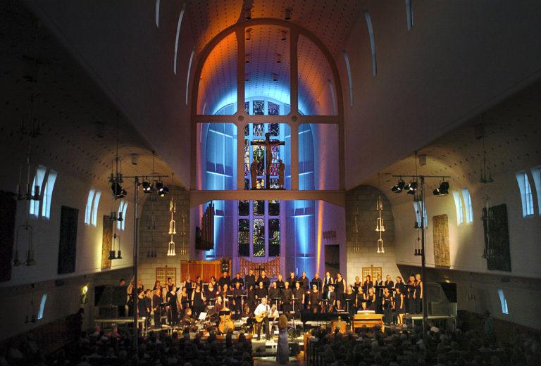 Konsert i det mektige rommet i Bodø Domkirke © Ernst Furuhatt